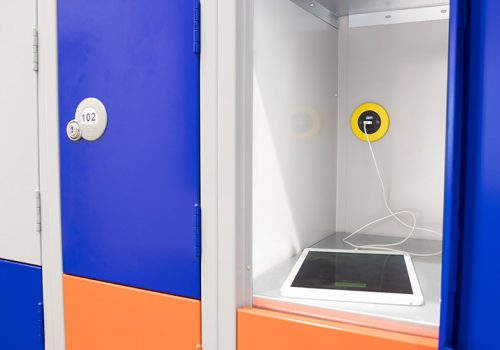 PIP-OE-Electrics-yellow-in-locker