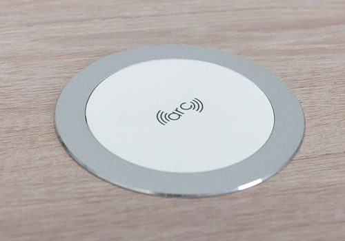 arc80-wireless-charger-desk-white